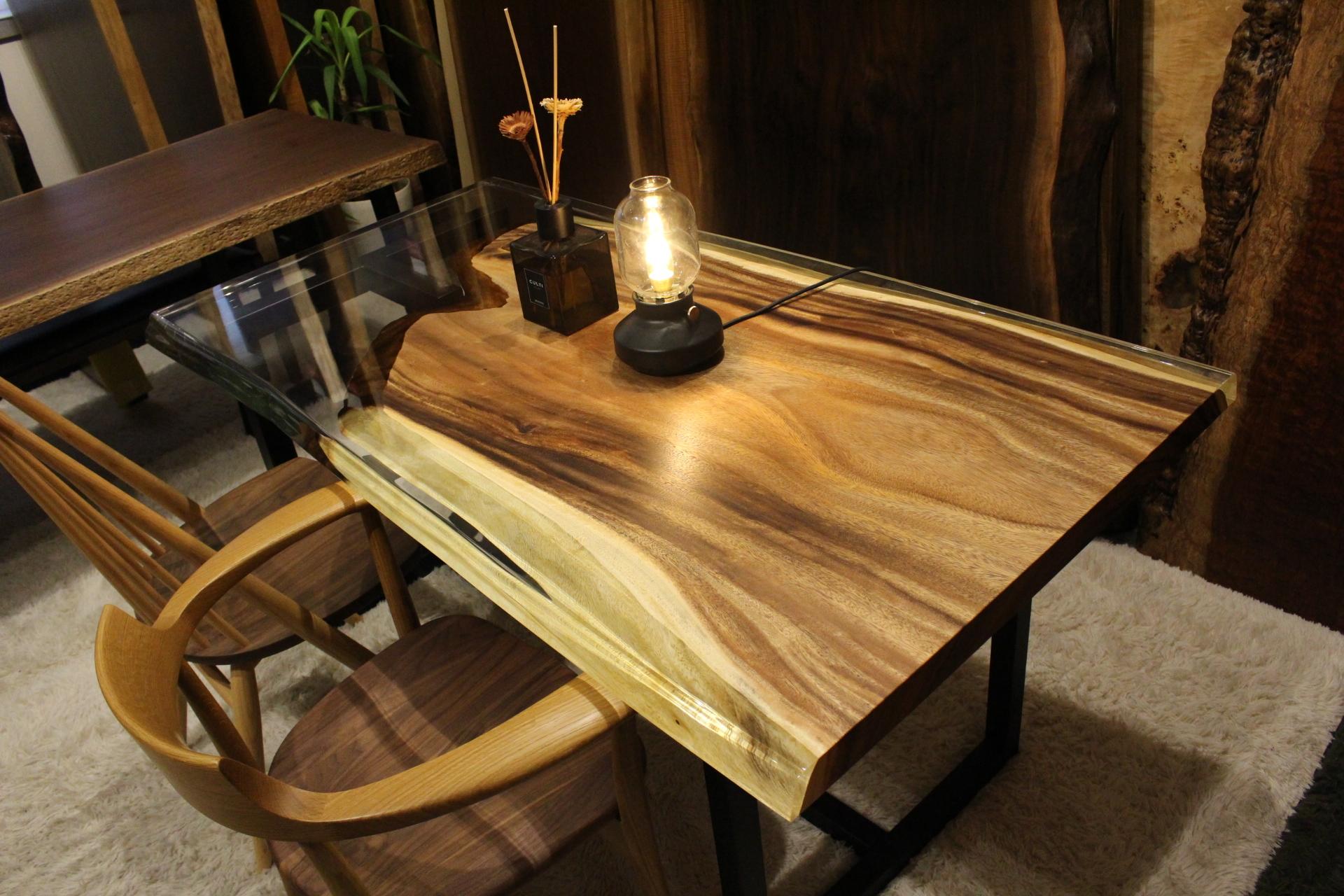 モンキーポッド  レジンテーブル 1500×700×40 19695