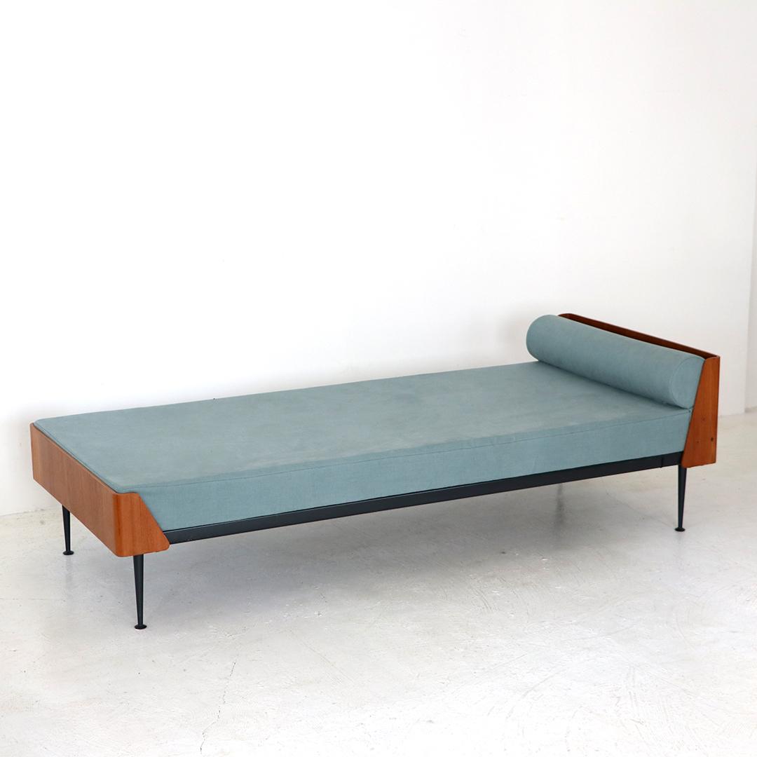 Bed / Friso Kramer for Auping