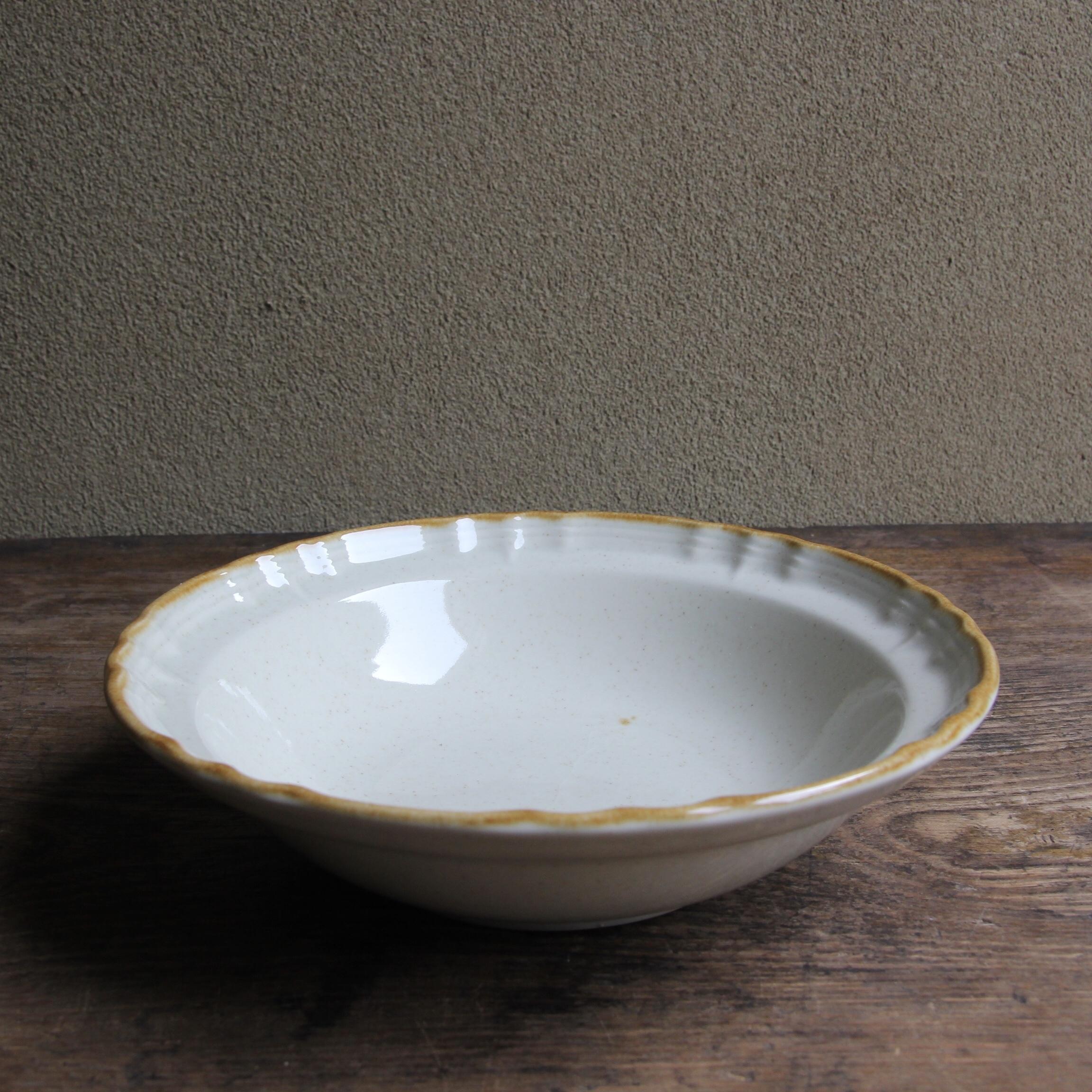 茶フリルリム ストーンウェア 小皿 在庫1枚