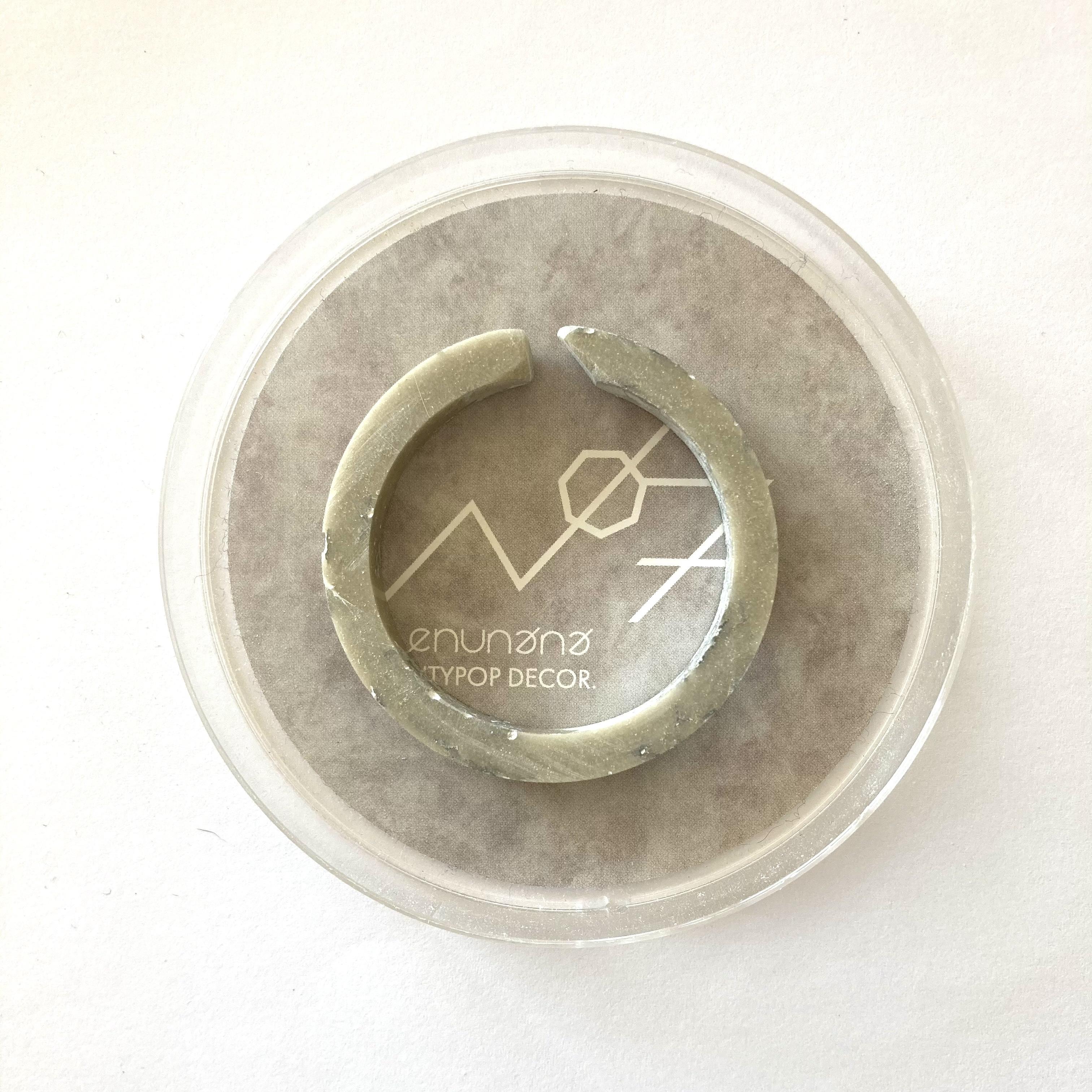 CHEWING GUM CUFF circle / ベージュシルバー