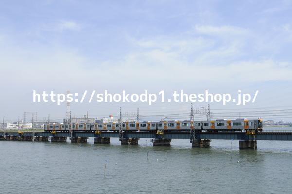阪神1000系と川_dsc9209