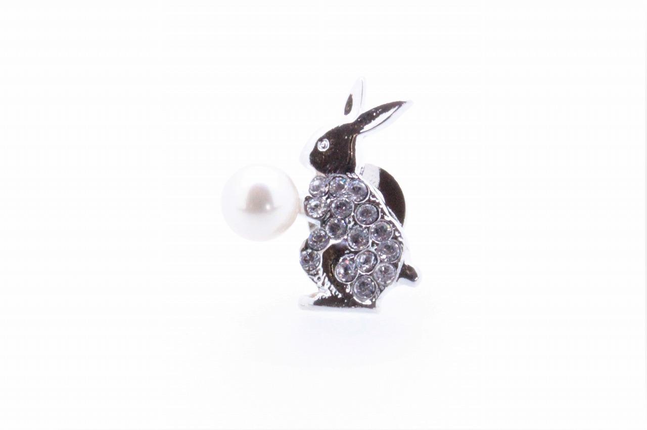 アコヤ真珠 ピンブローチ〈ウサギ〉兎