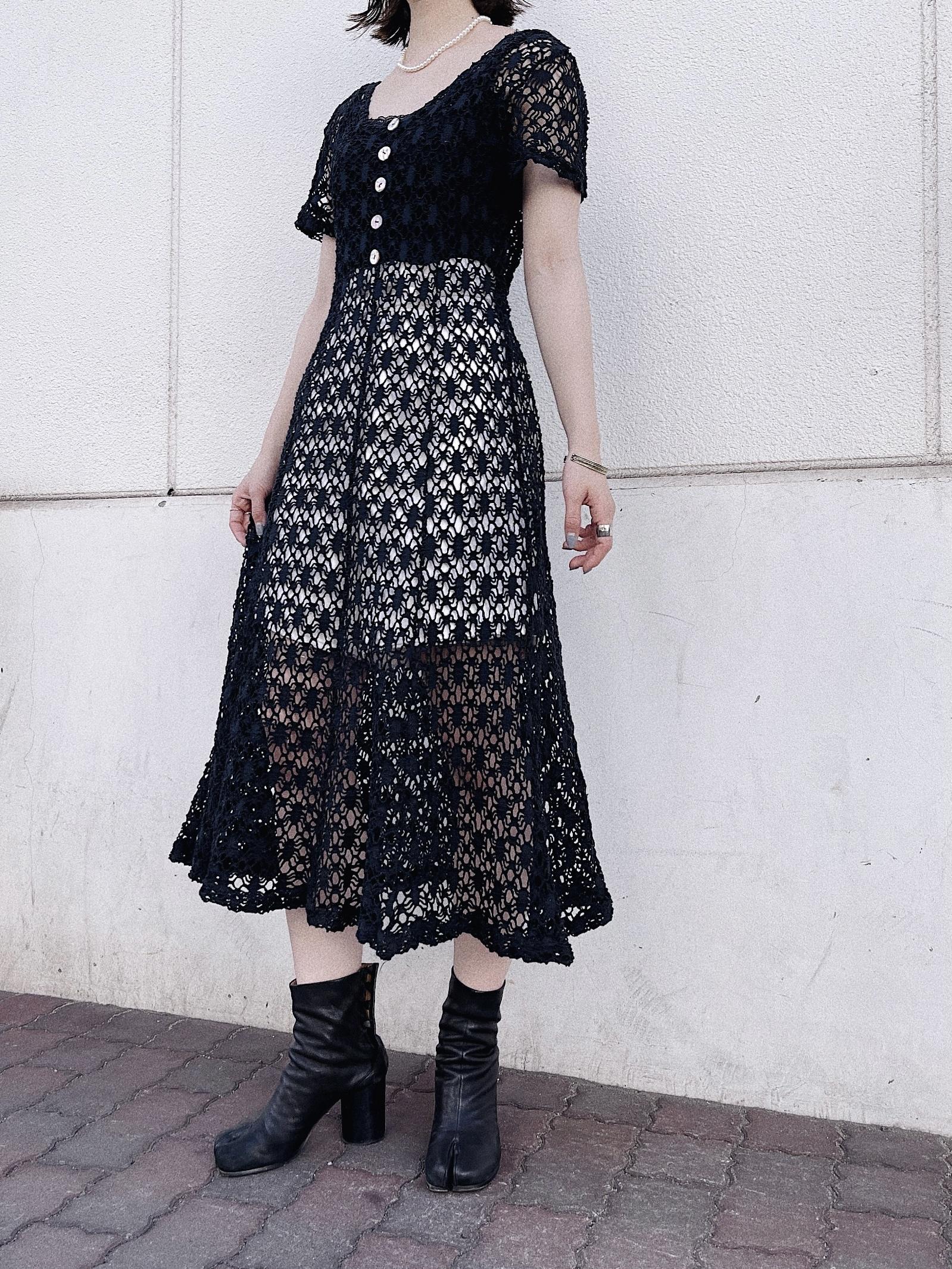 vintage back ribbon lace dress - black -