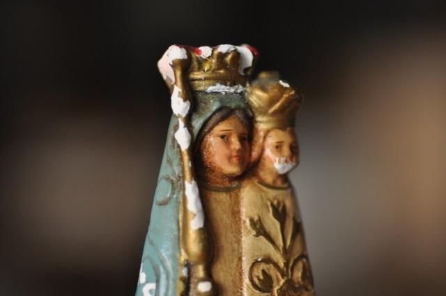 青き衣の聖母子像