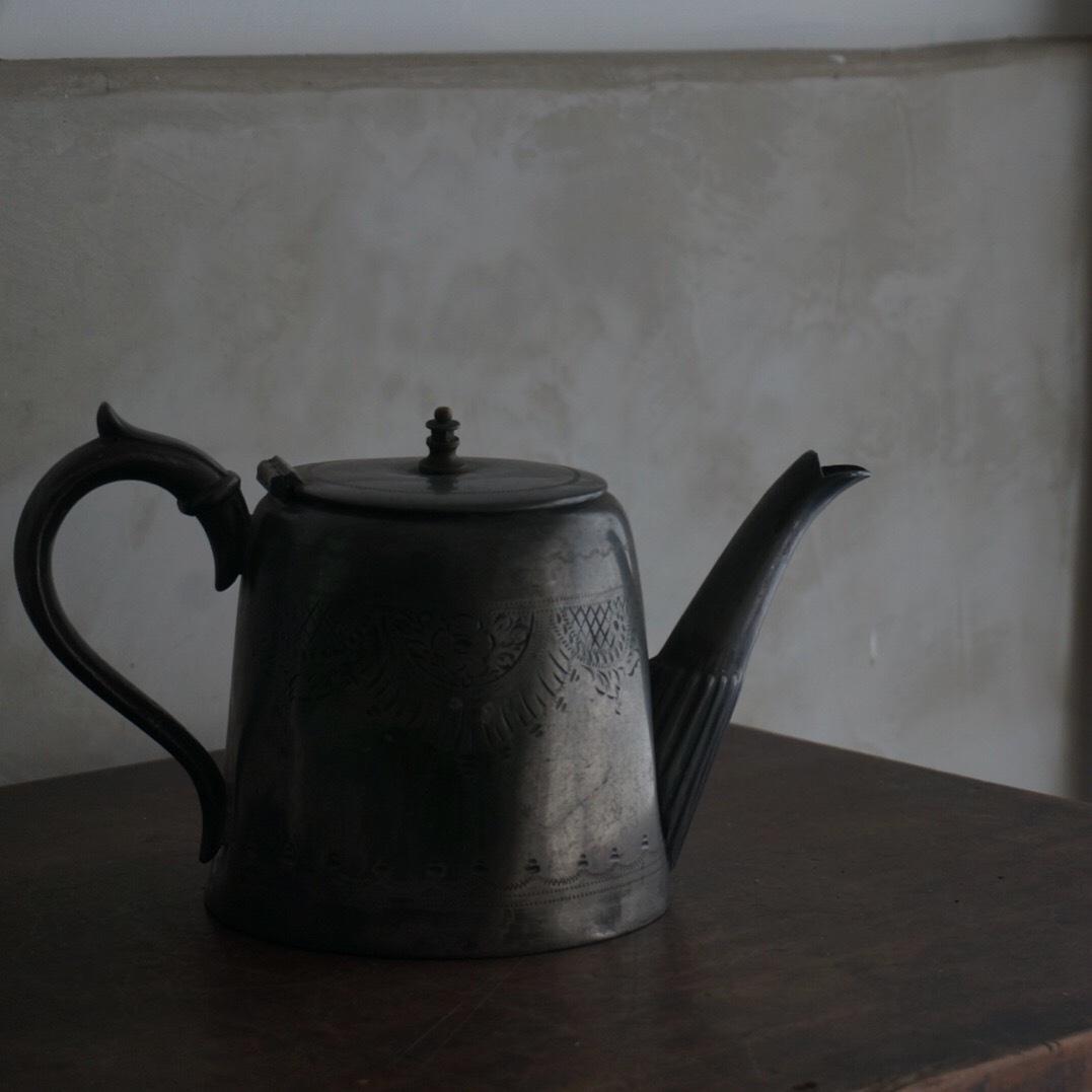 古いイギリスのポット