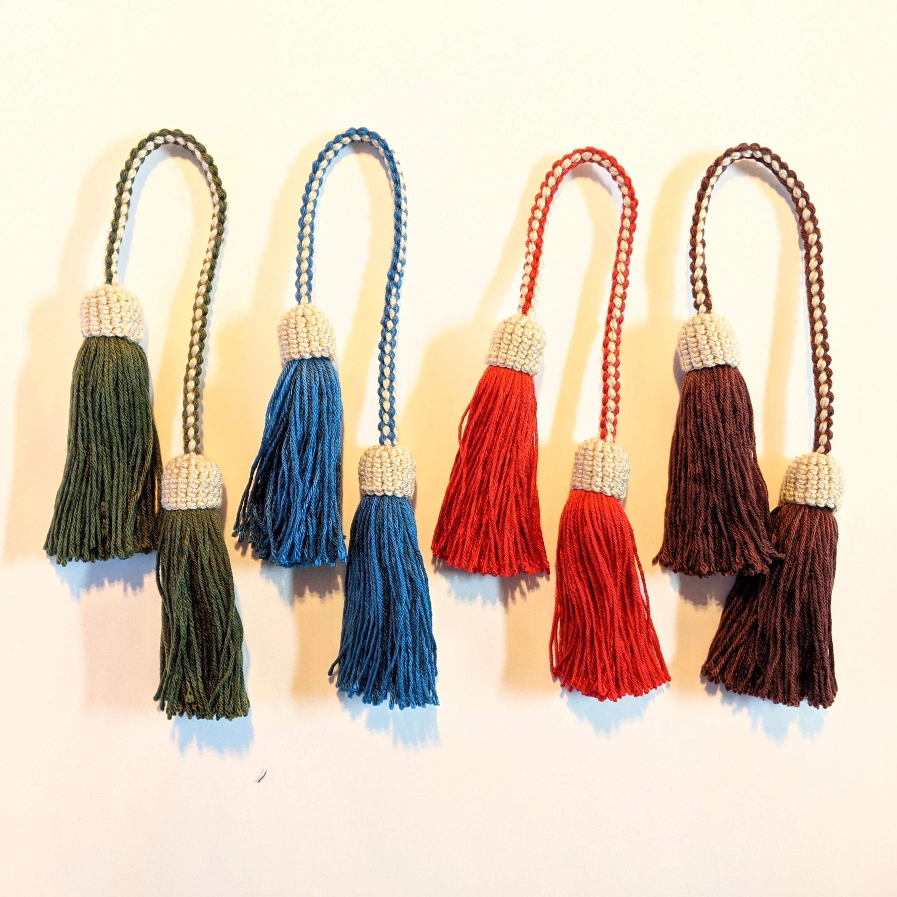 チェンマイ コットン糸で作った手編みのダブルタッセルチャーム