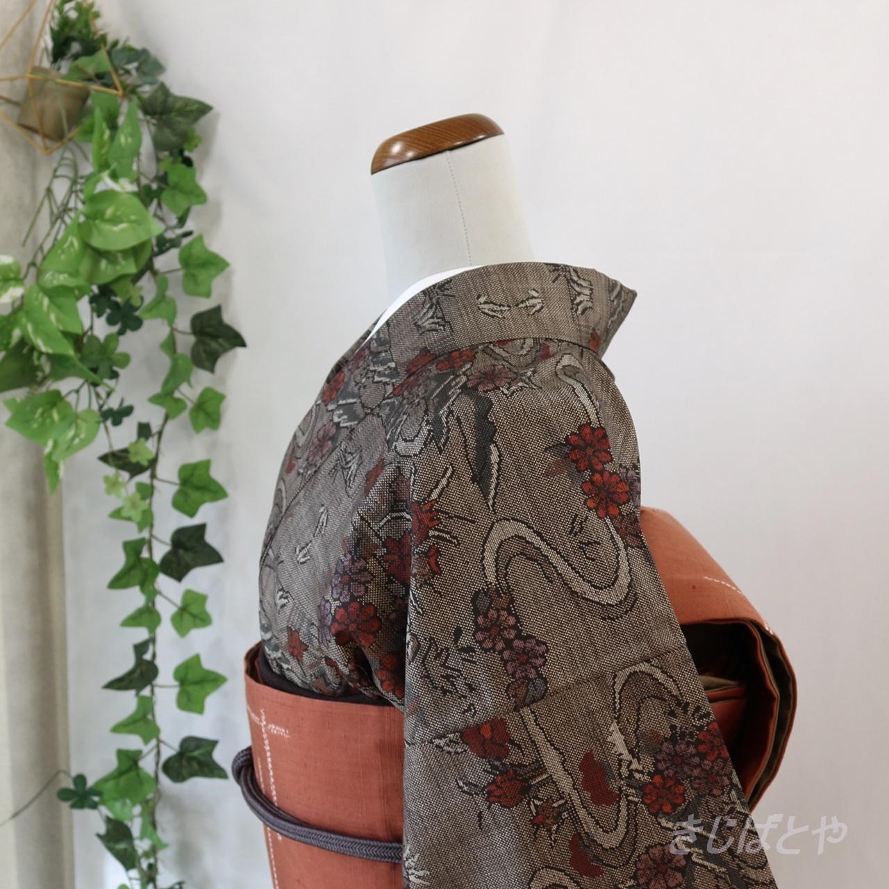 大島紬 チョコ色に流水と花の小紋 袷