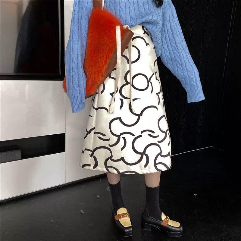 irregularity flower skirt
