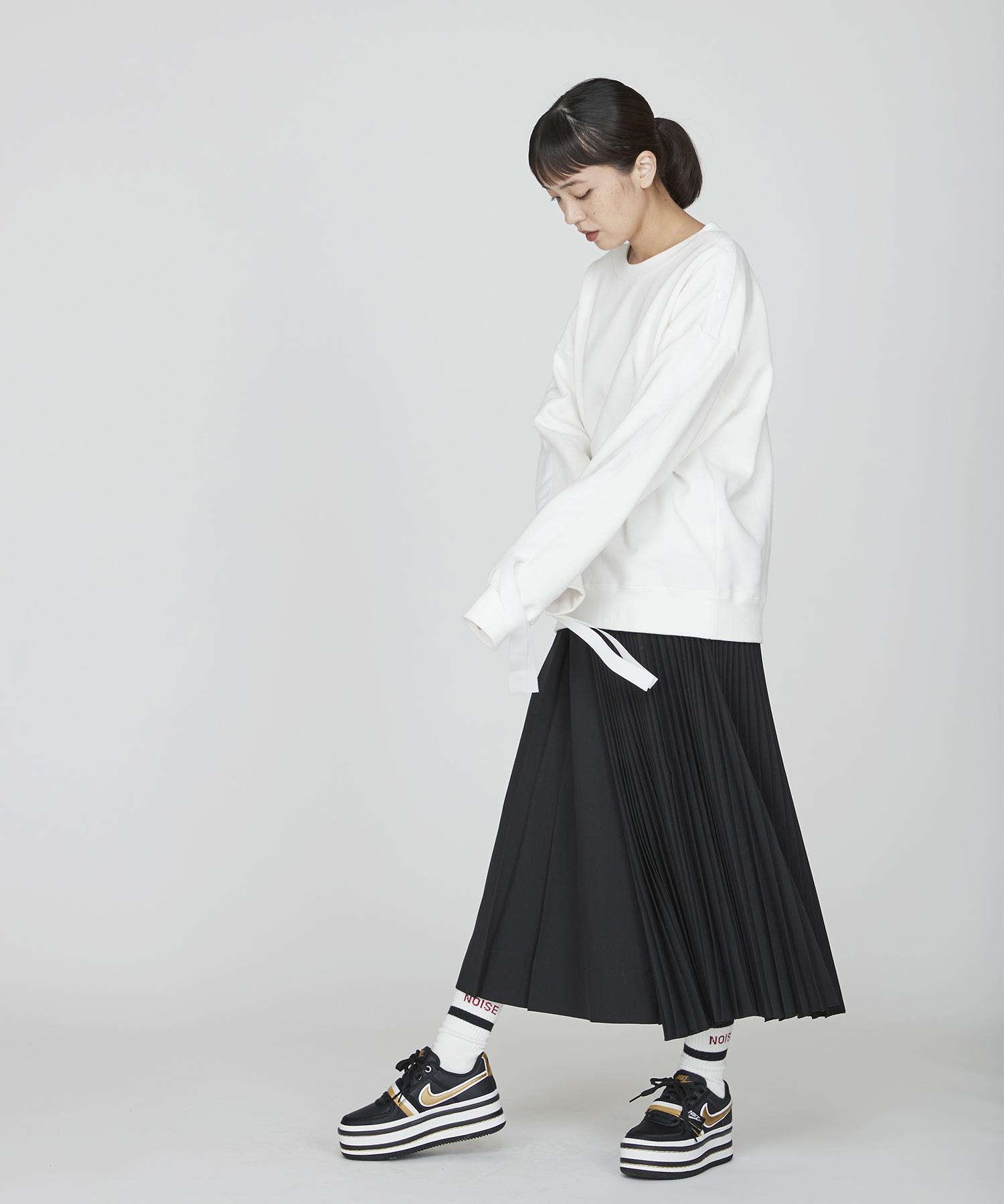 アシンメトリープリーツスカート(ブラック)