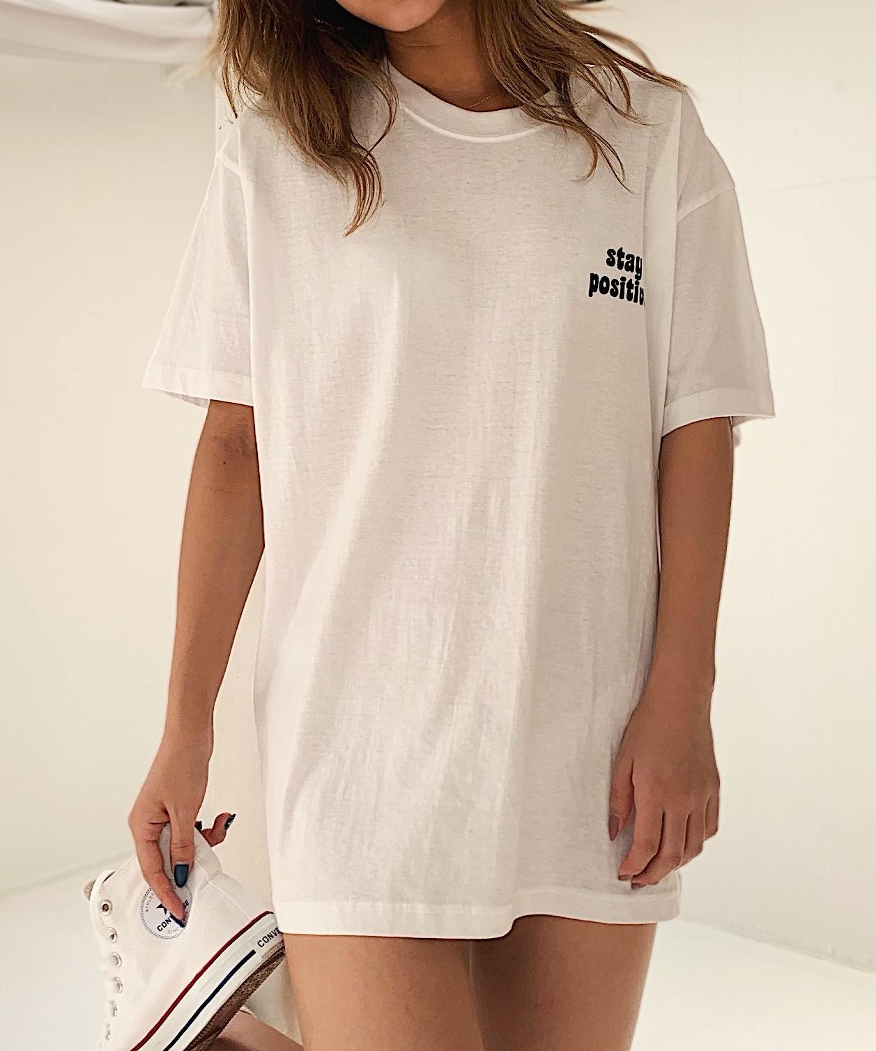 ポイントカラーロゴTシャツ