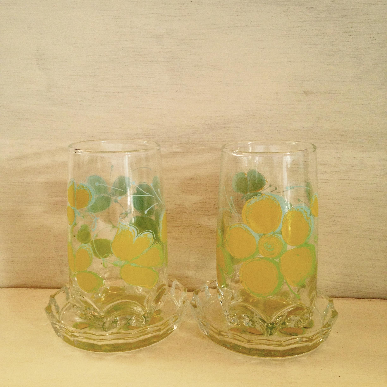 黄色の花のグラス、コースター付(ササキガラス製)昭和レトロ