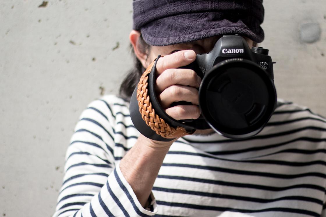 大人バイカラーのカメラストラップ