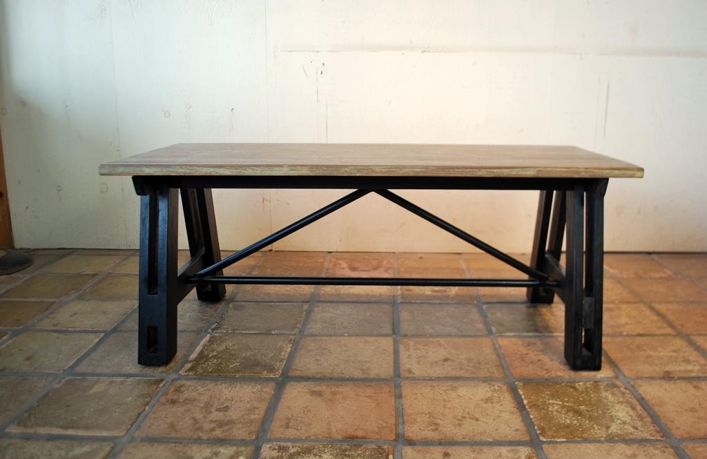 スチールブロックテーブル