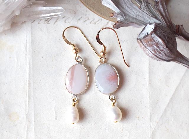 桜色ピンクアゲートとパールのピアス