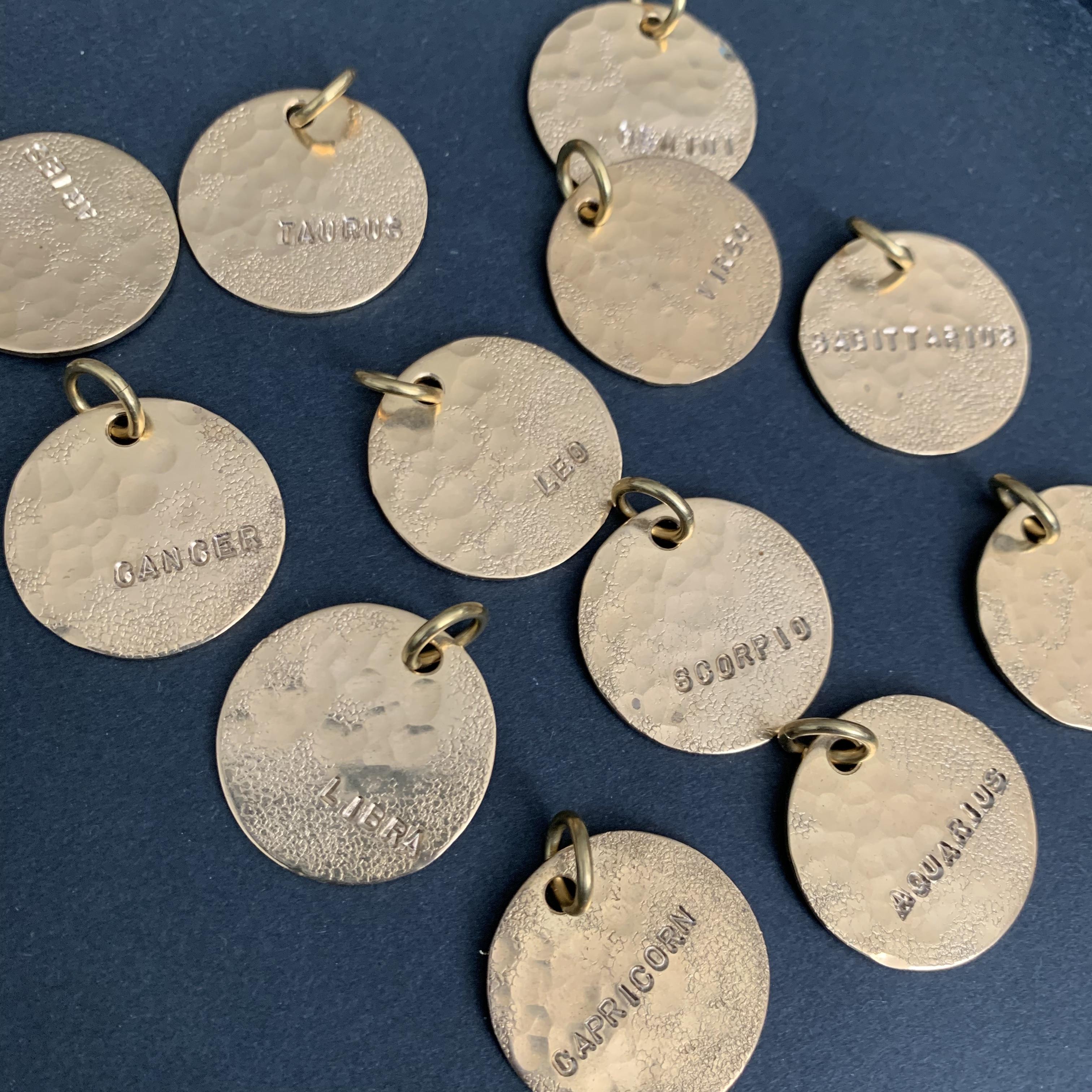 真鍮のペンダント・星座シリーズ(種類を選んでください)ネコポス発送可能