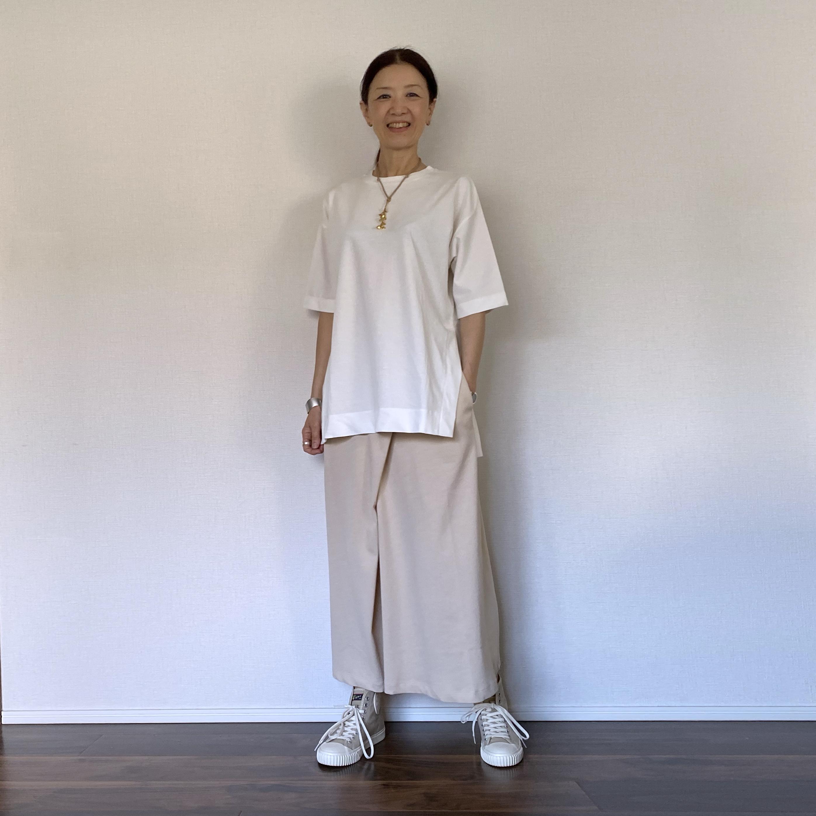 スリットTシャツ(U06)
