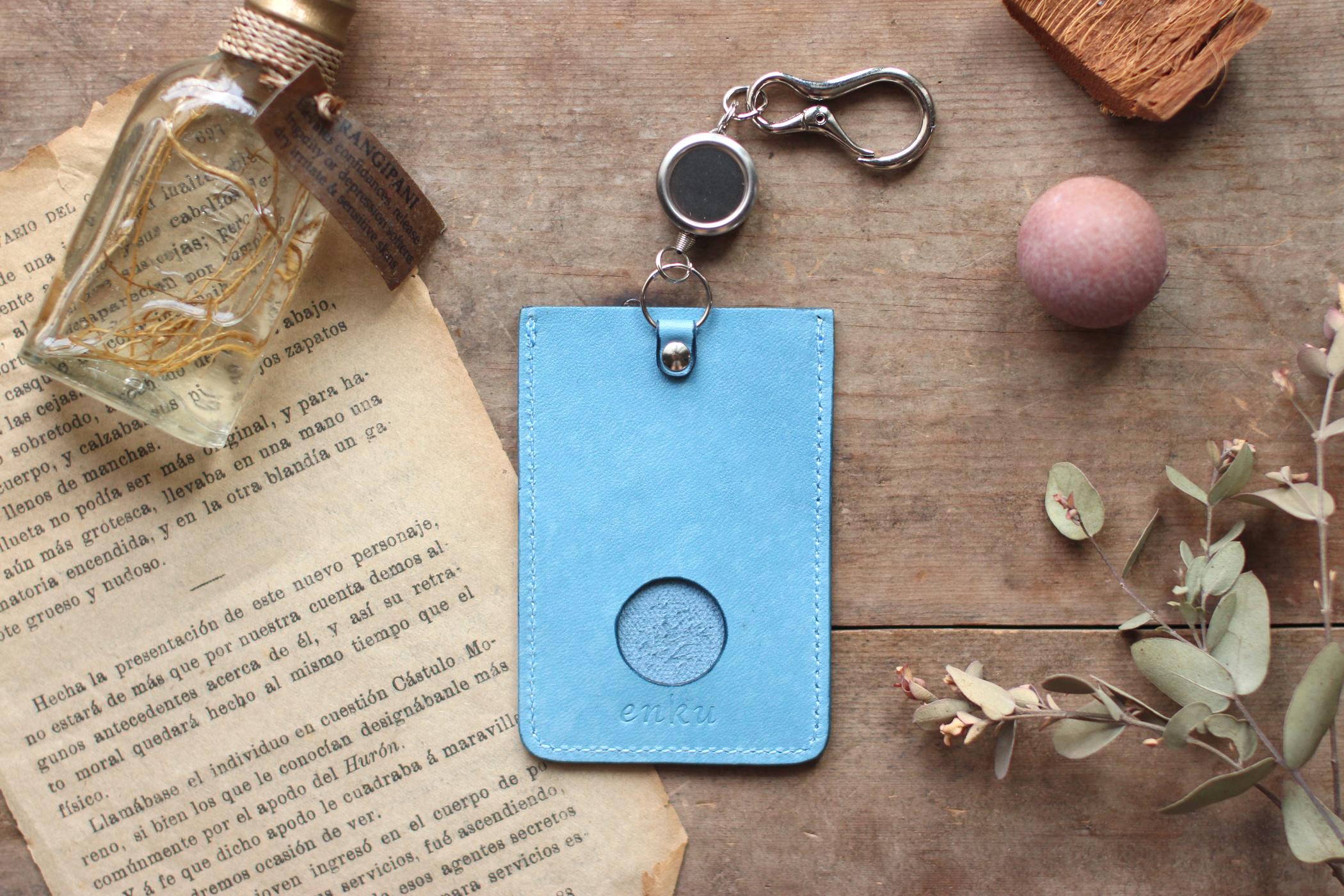 藍染革[migaki・空色]  リール付ICカード・パスケース