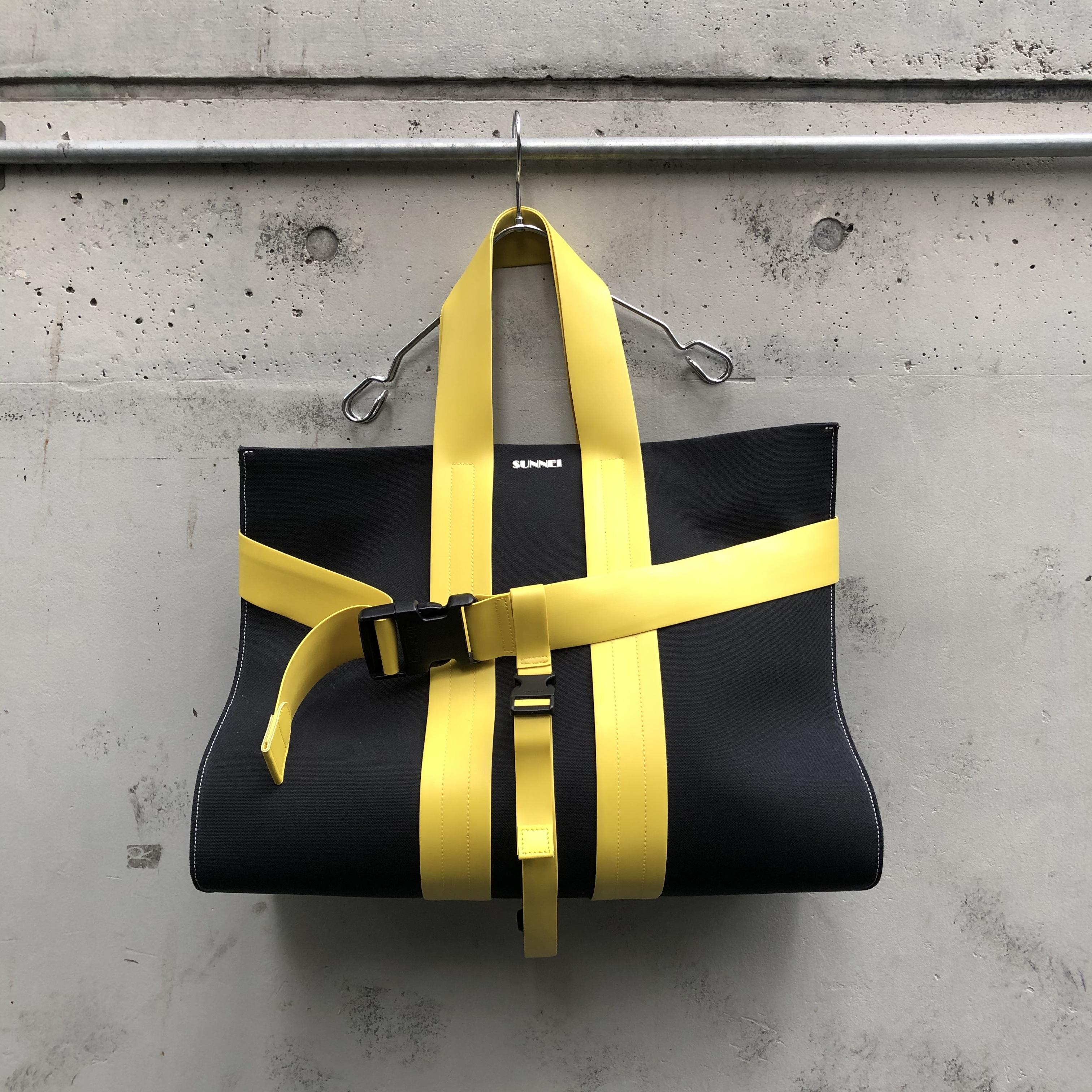『SUNNEI』BLACK MESSENGER BAG