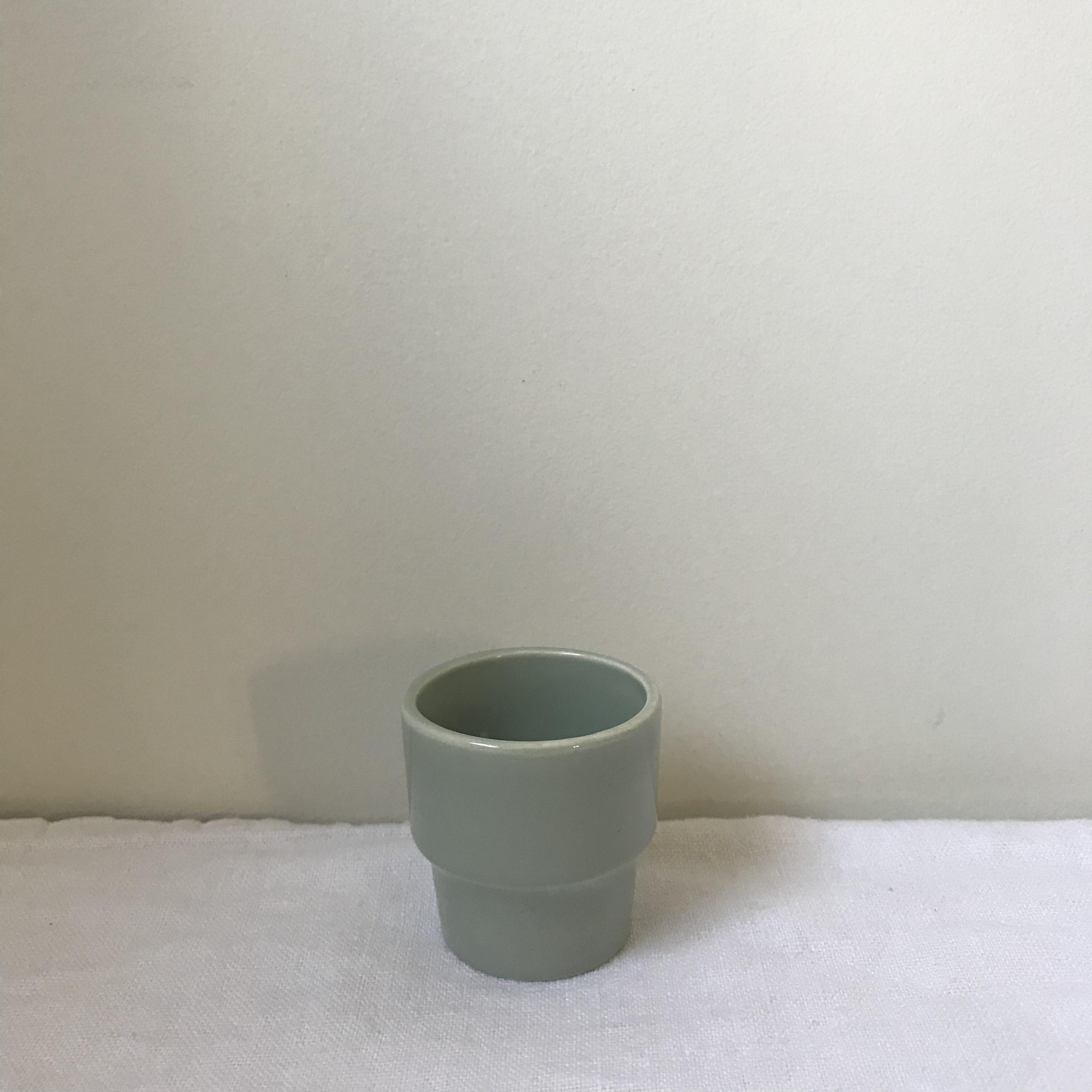シンプルなエッグカップ