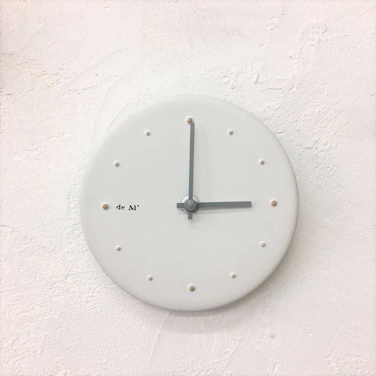 [studio m']陶器のとけい_白化粧