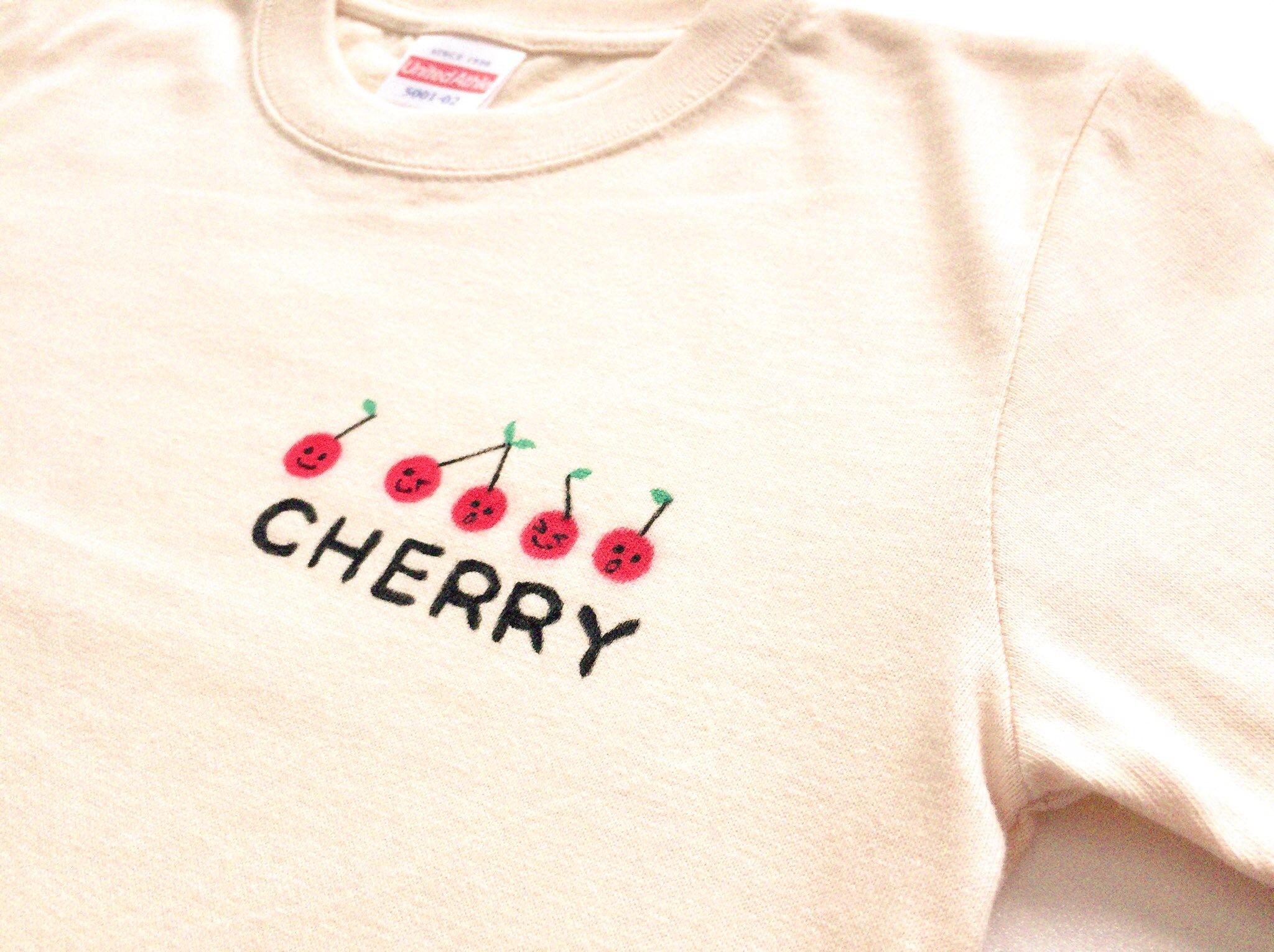 【受注制作】ワンポイントで光る手描きTシャツ(さくらんぼ)