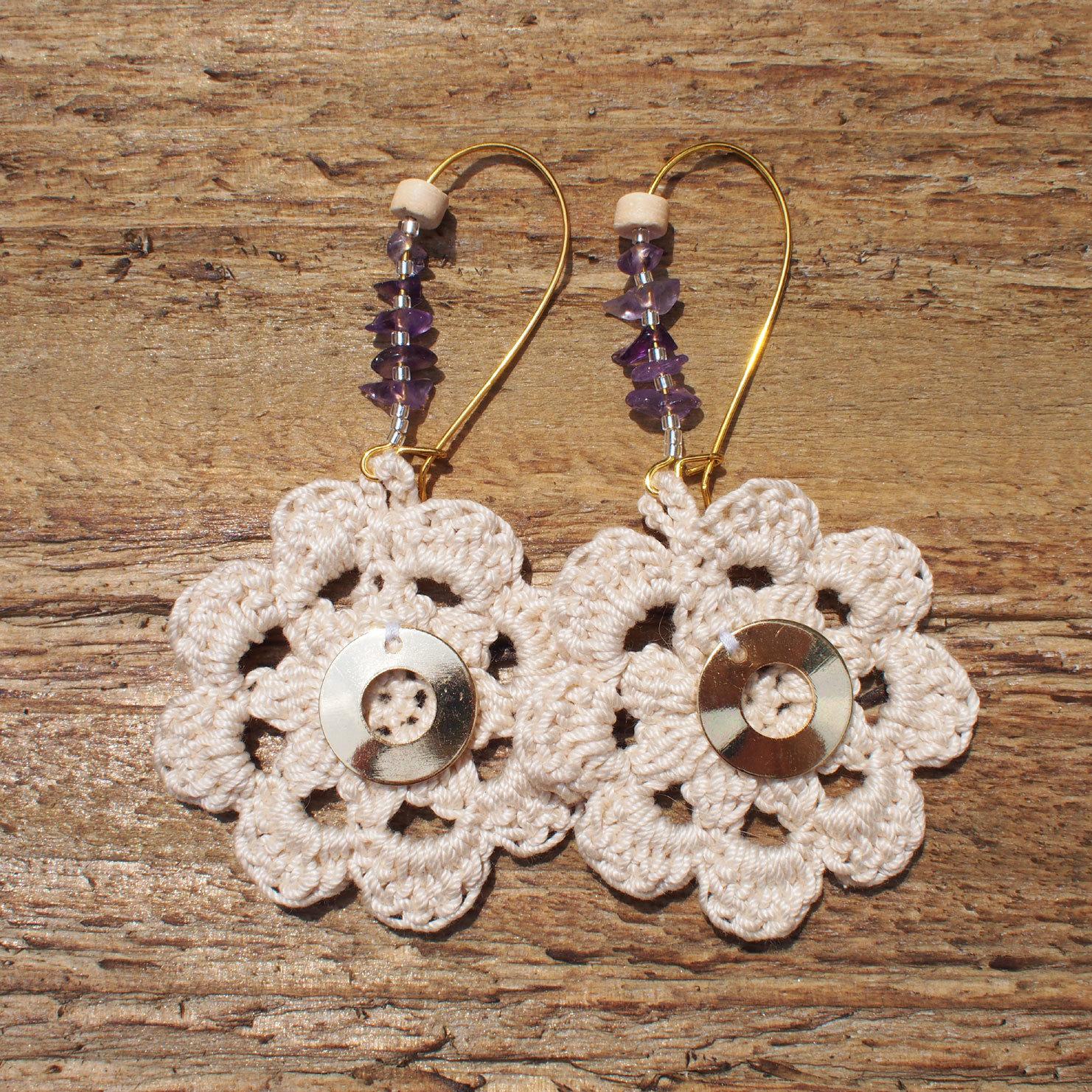 Flower Knit Pierce / Beige
