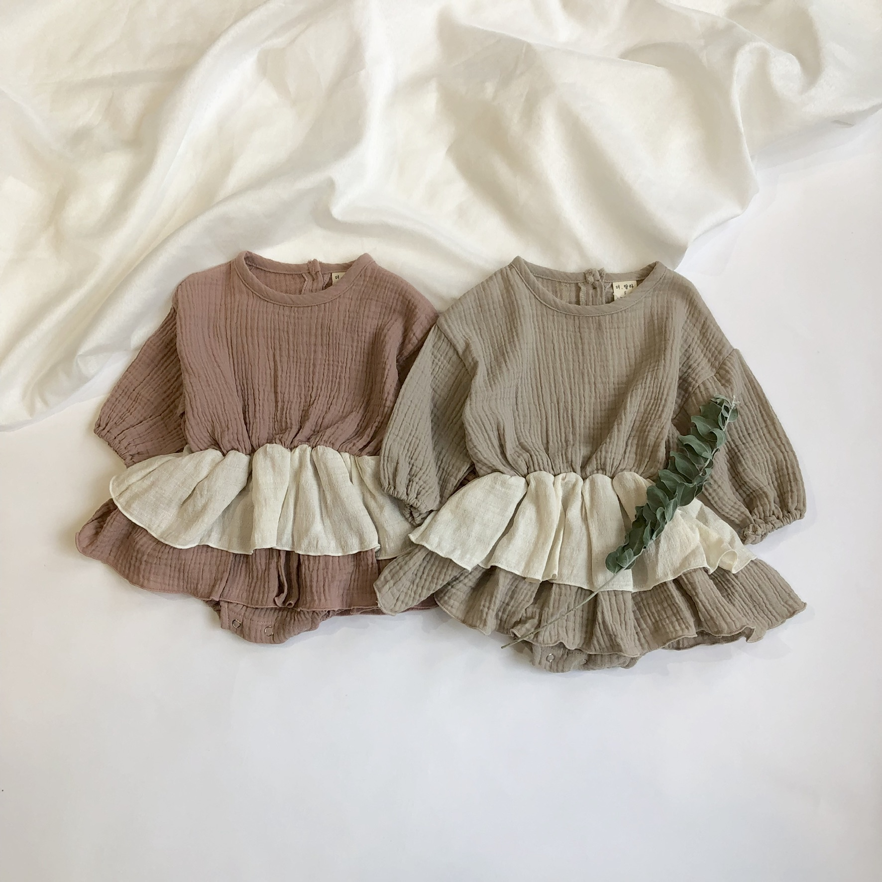 《 128 》Waffle frill rompers
