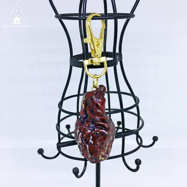 【Kさま/オーダー】心臓キーホルダー(金銀MIX汚し)