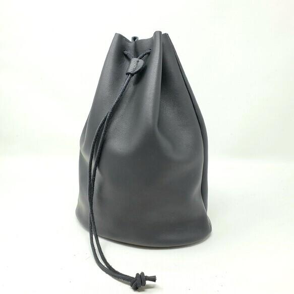 """""""Utility Bag02"""" 大人のためのレザー巾着(底あり) -柔らかくほどよい厚みが安心の牛革  - 画像4"""