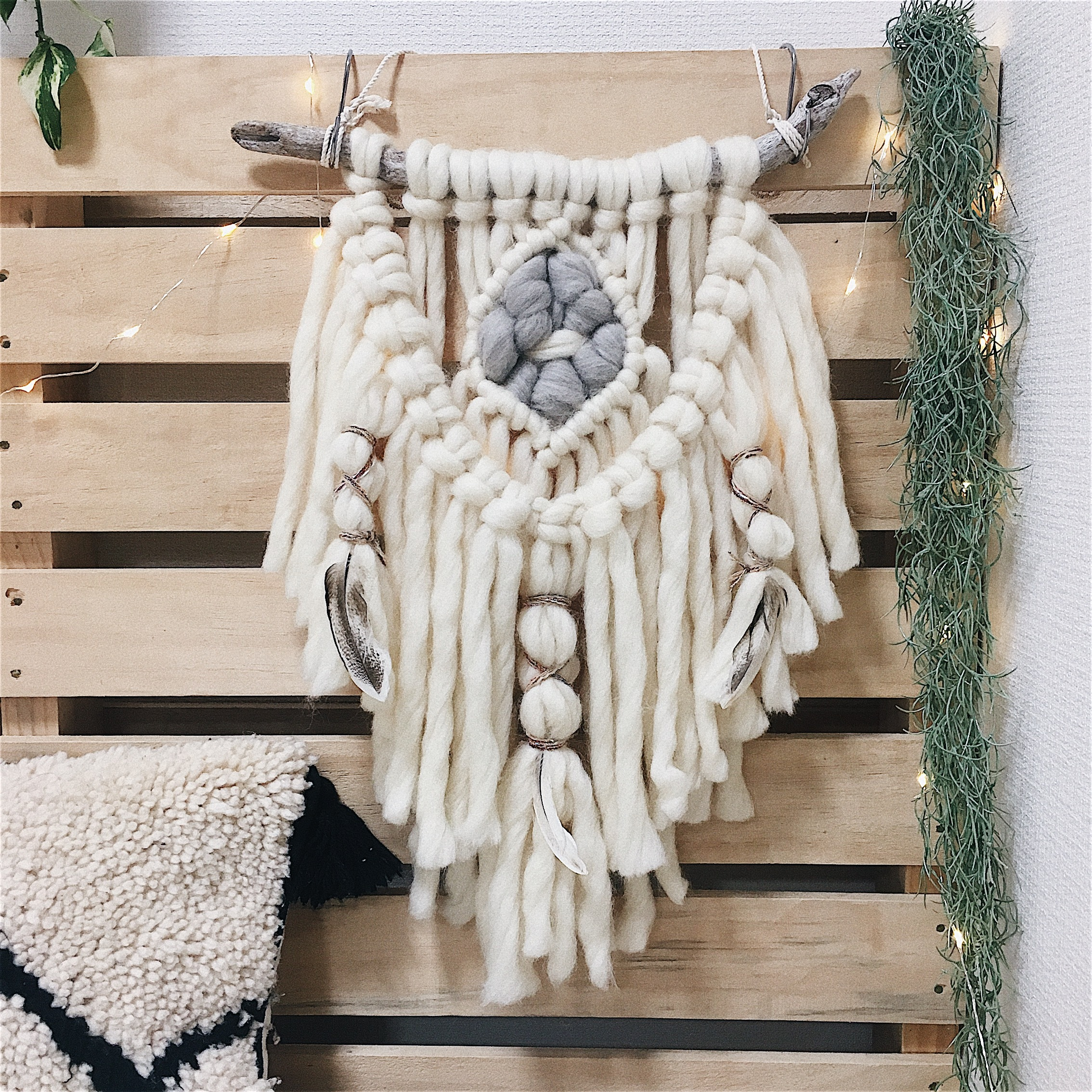 【送料無料】Wool macrame wallhanging - native american -