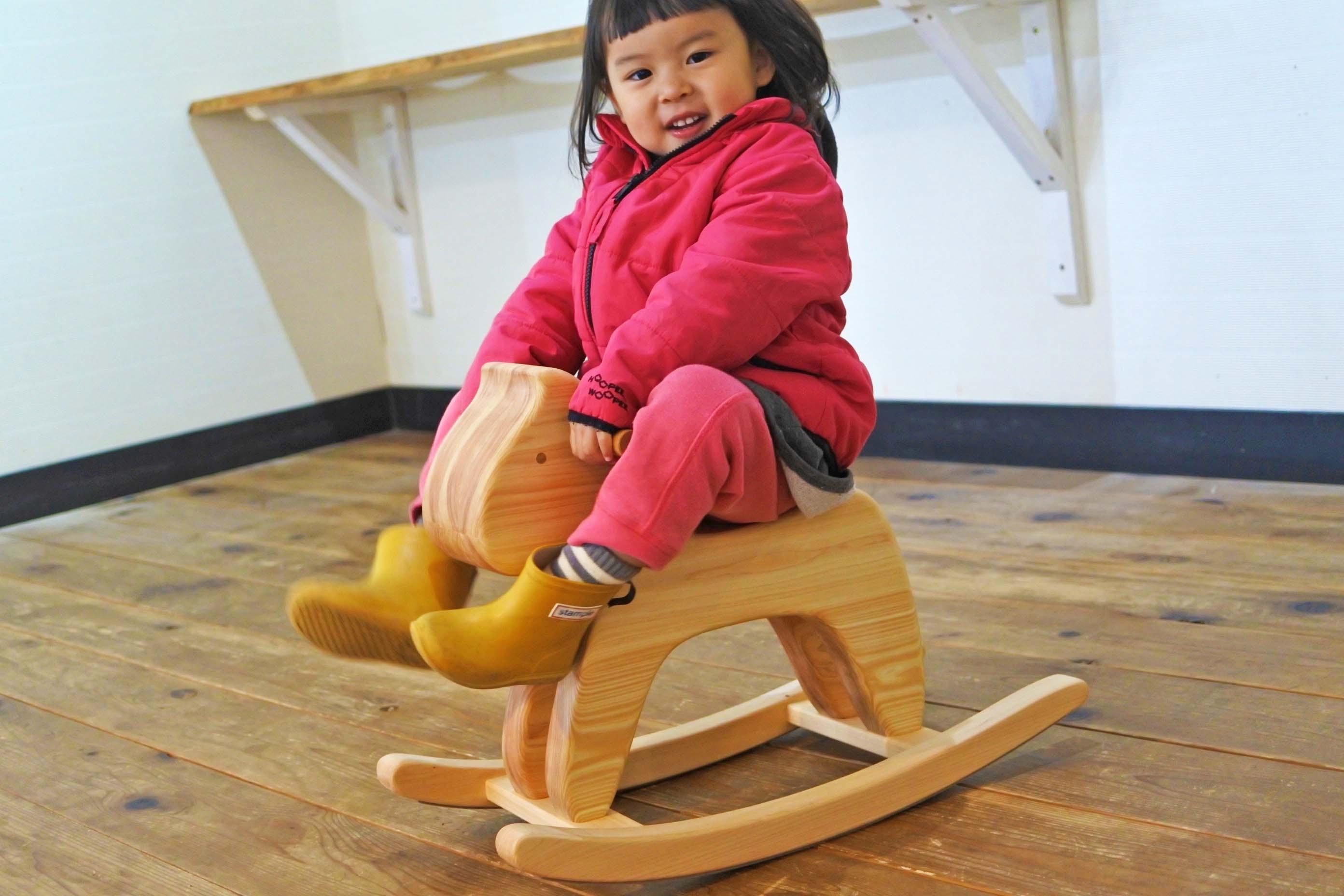 紀州ヒノキの木馬