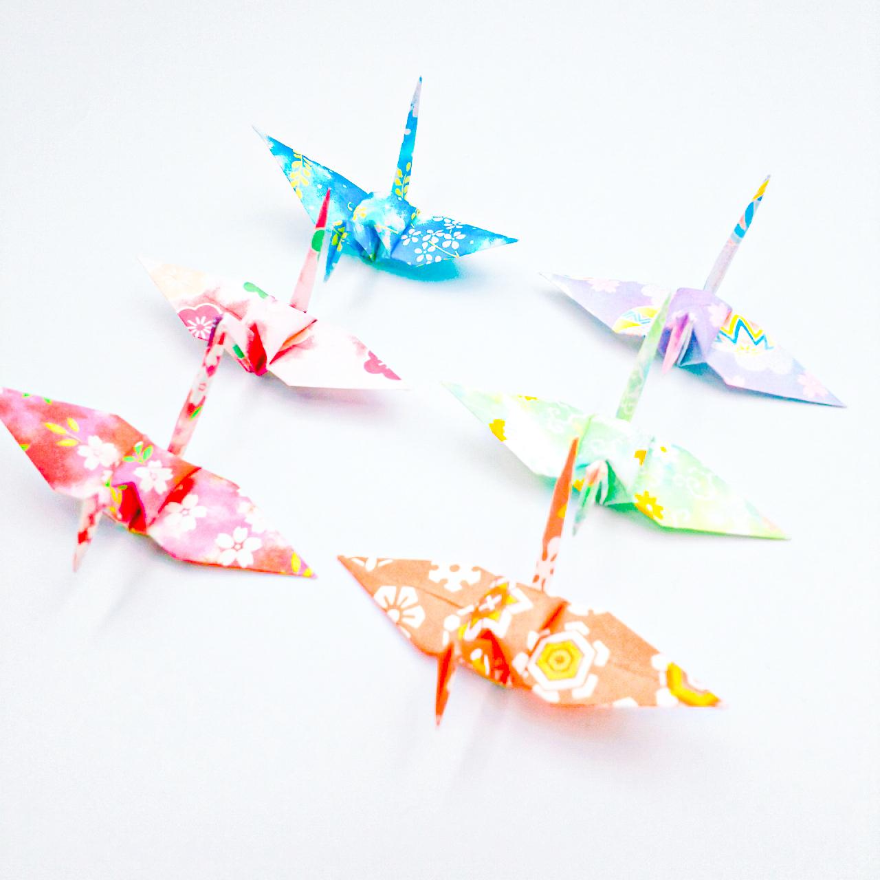 【受注制作】これからも健やかに。暖かな未来へと向かう折り鶴 (神前式、和装婚折り鶴シャワー演出・和風撮影小物) 840羽