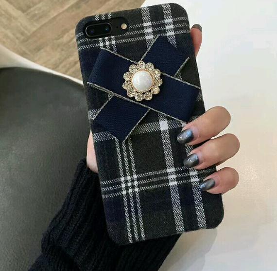 【お取り寄せ商品、送料無料】タータンチェックのケースにブルーのリボン付iPhoneケース