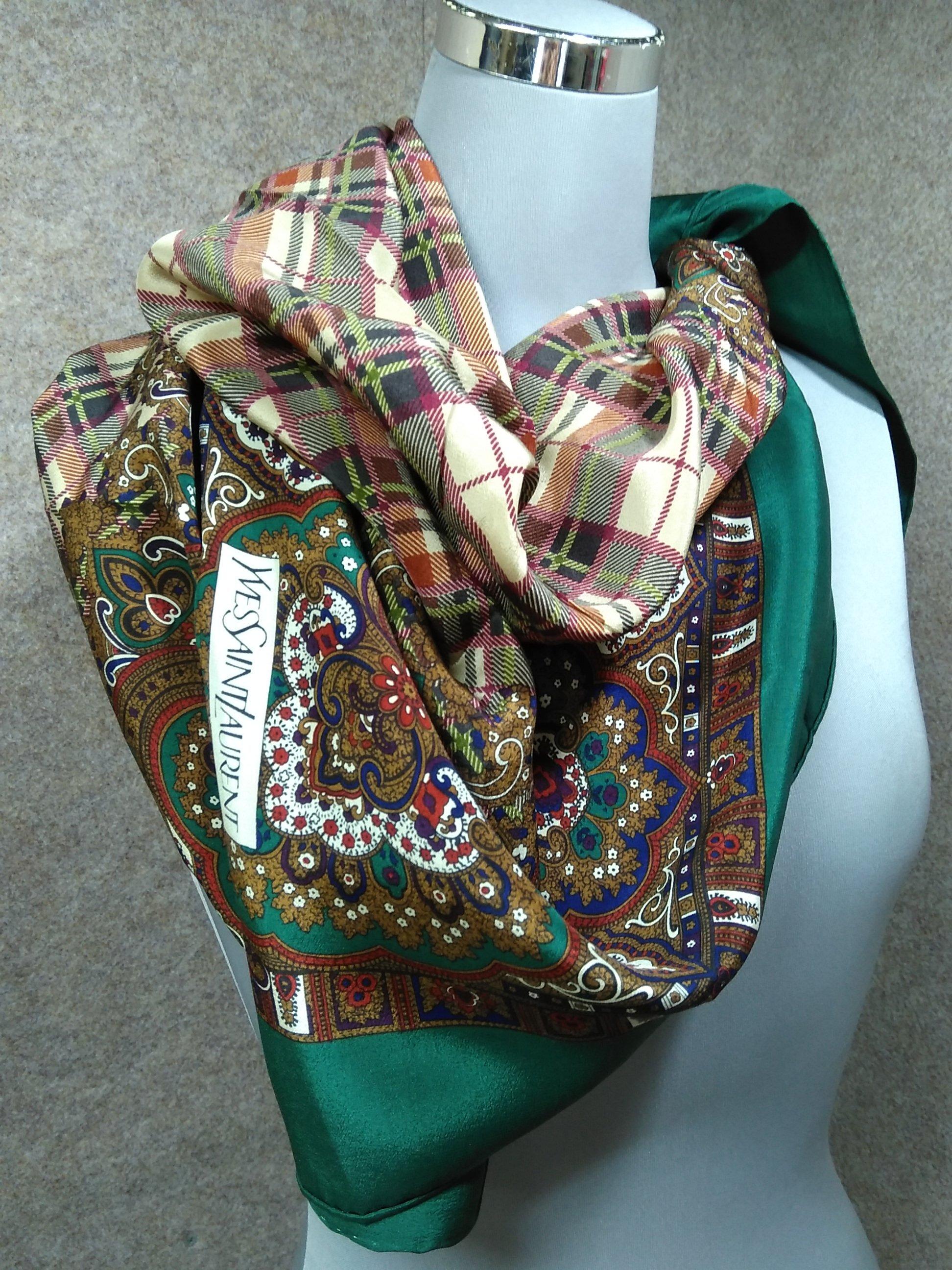 イヴサンローラン シルク 絹 スカーフ グリーン系 mu890e