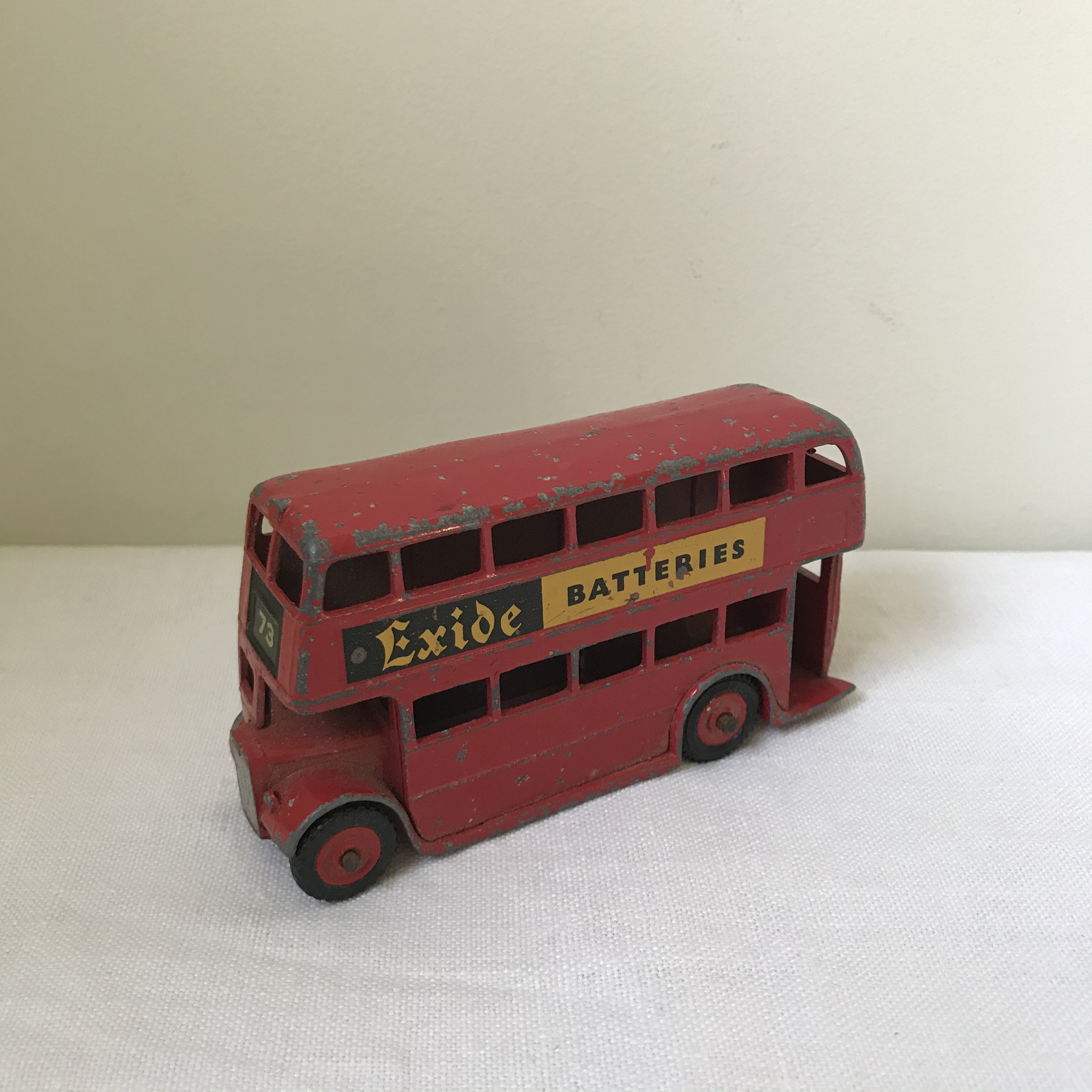 バスのミニカー1