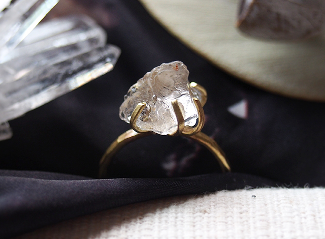 [一点物]原石のゴシェナイト(ホワイトベリル)のリング