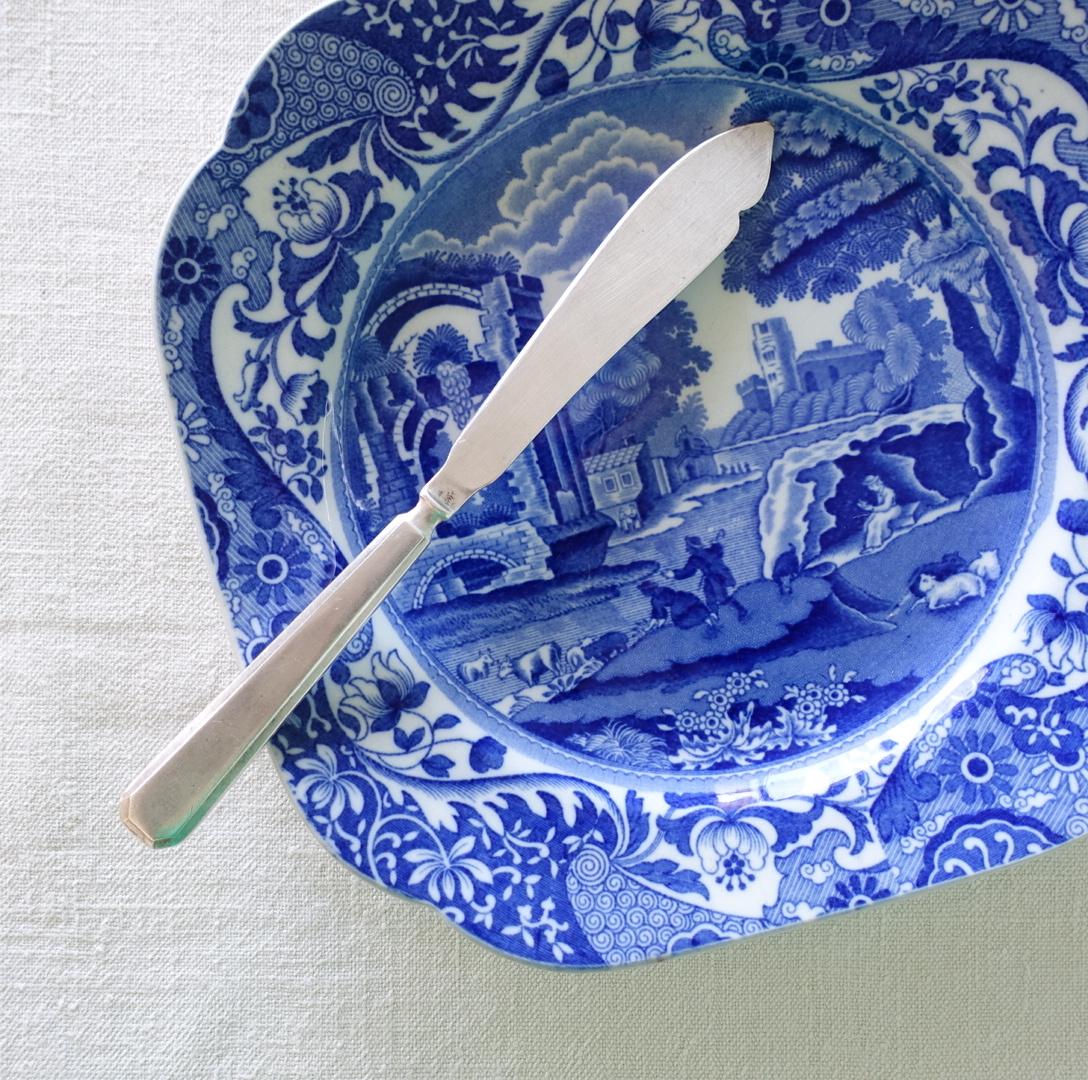 ブルーイタリアンの四角いお皿