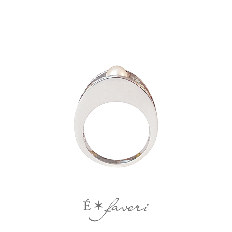 Holding Pearl Ring - Silver925