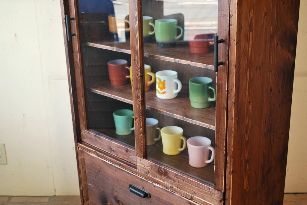 ラスティ食器棚