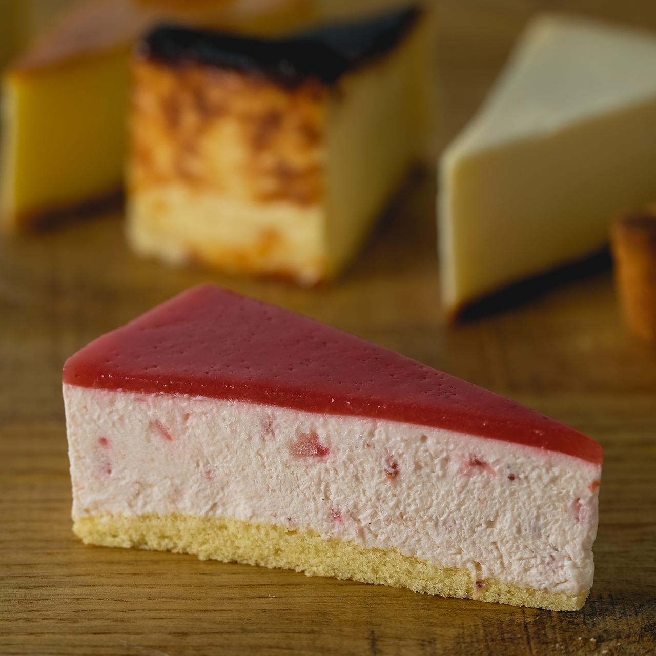 カット:苺のレアチーズ