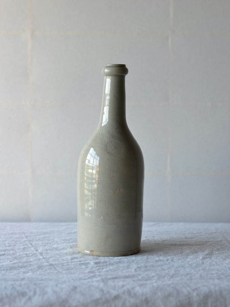 ワインボトル-wine bottle