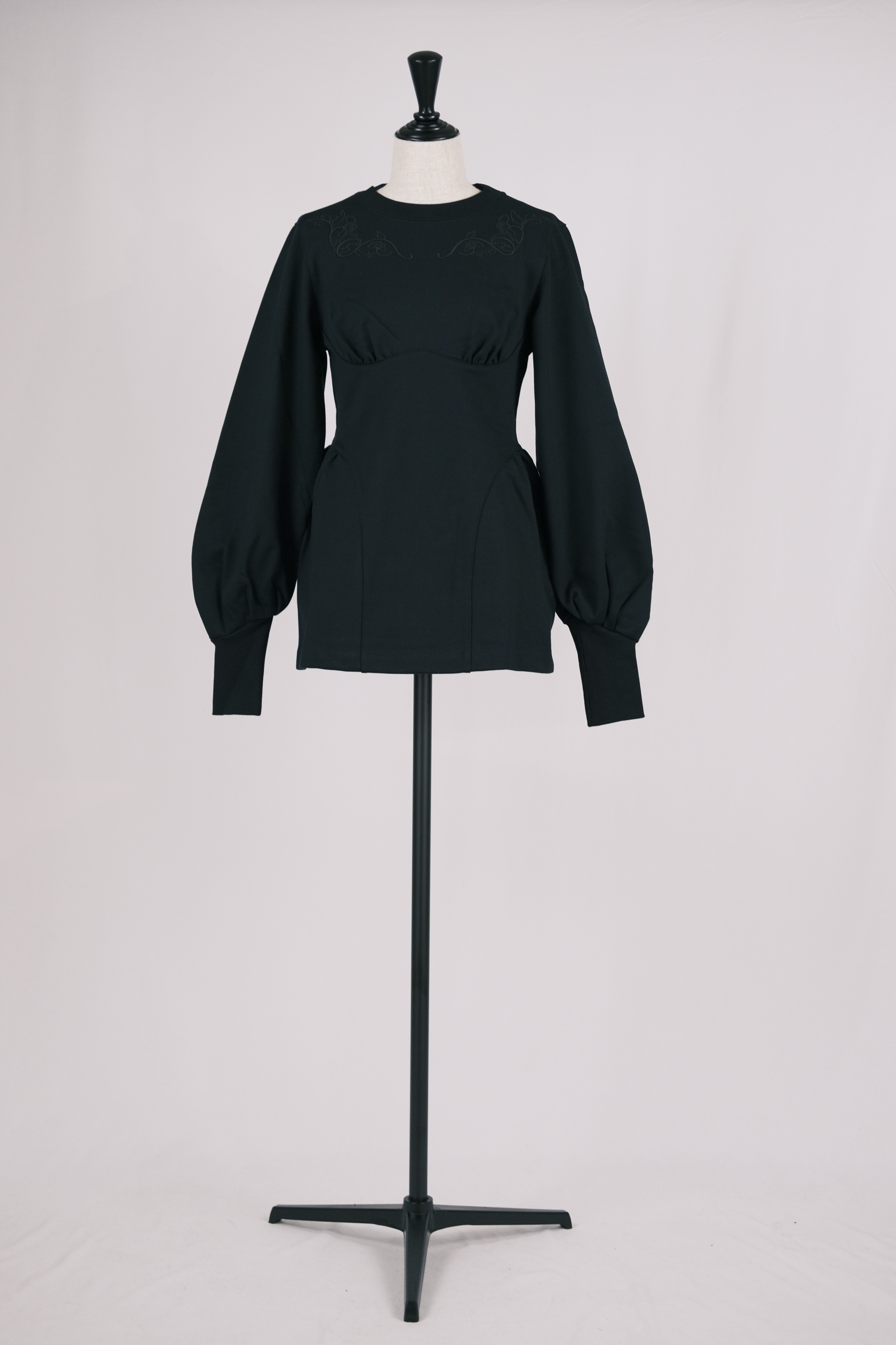 【FETICO】floral embroidered sweat shirt - black