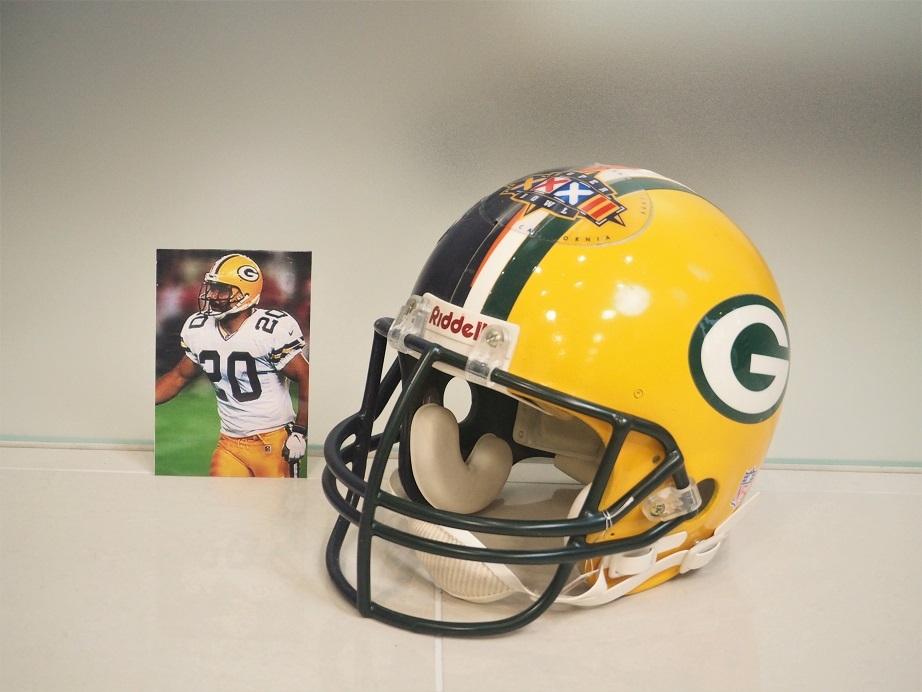 品番0526 アメリカンフットボール / American Football Helmet 011