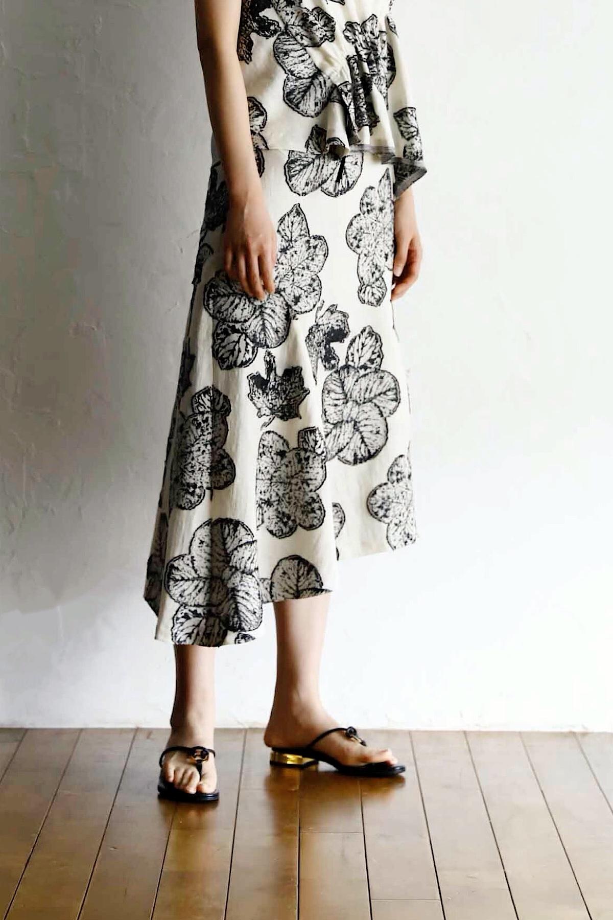 フラワージャガードスカート <OFF>