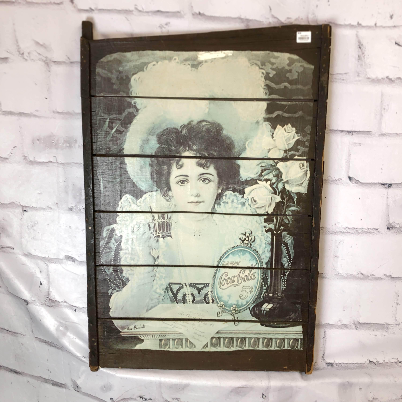 品番3694 サインボード 『Coca-Cola(コカ・コーラ)』 少女 壁掛 木製看板 アメリカン雑貨 ヴィンテージ
