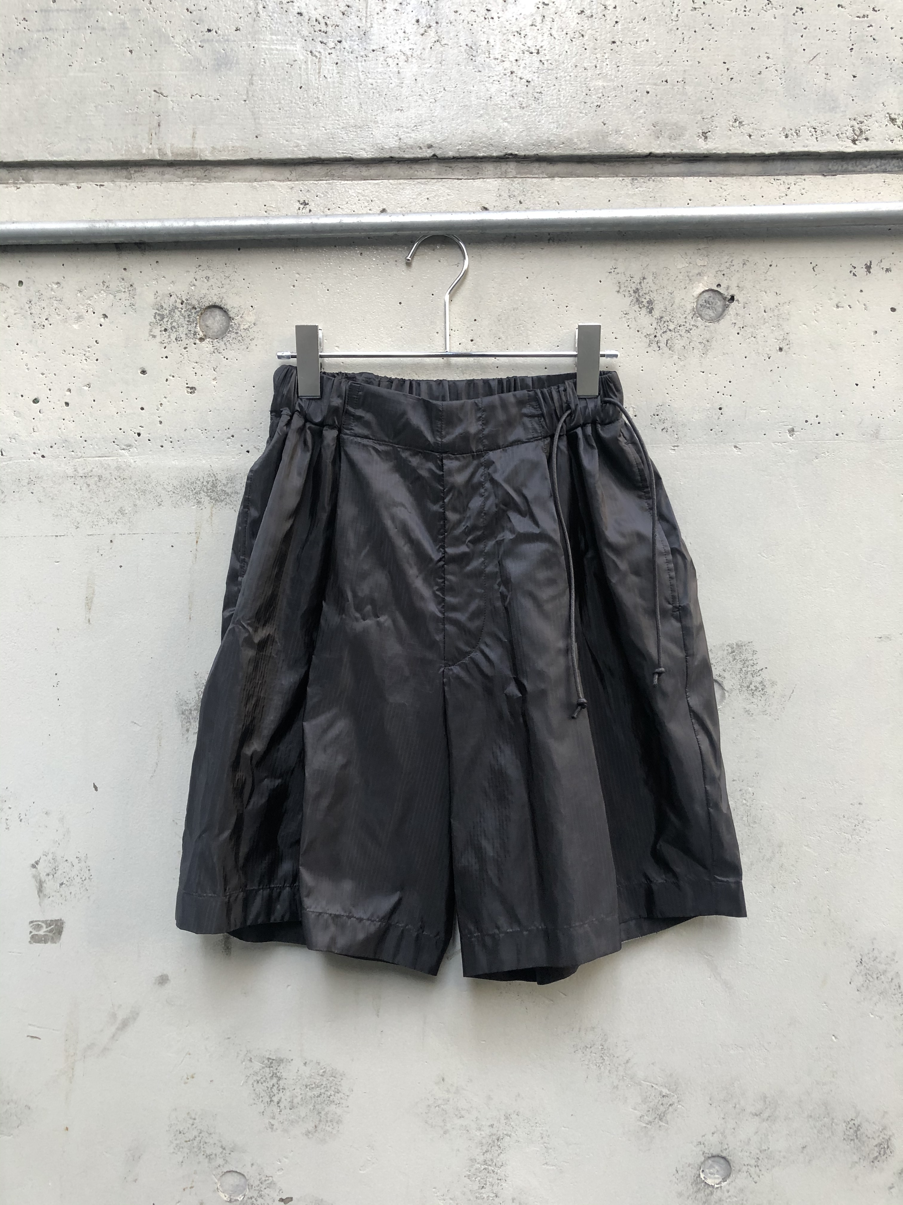 『my beautiful landlet』ripstop nylon swiching wide shorts / BLACK