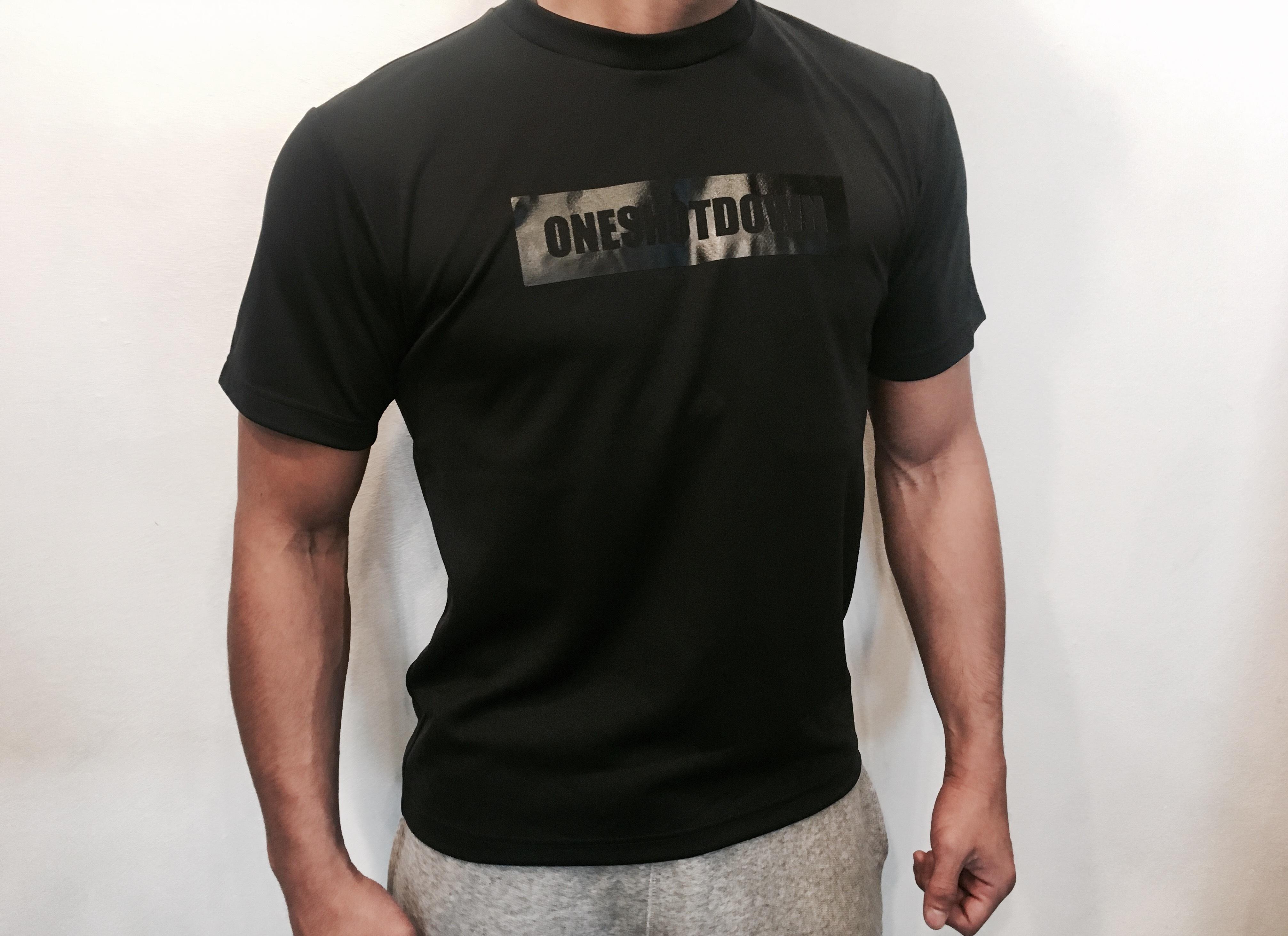ONESHOTDOWN ボックスロゴ ドライTシャツ - 画像1