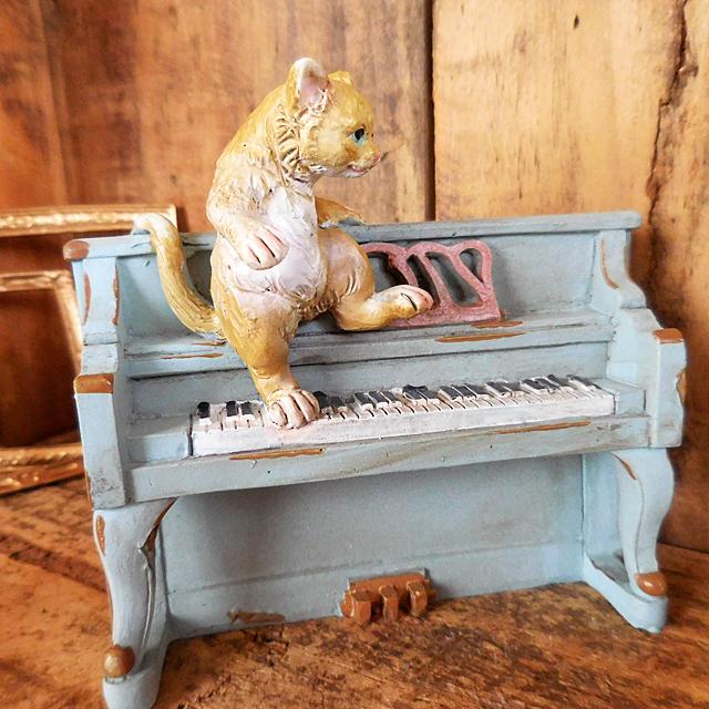 (260) キーストーン キャットピアノ アンティーク調 猫とピアノ 置物