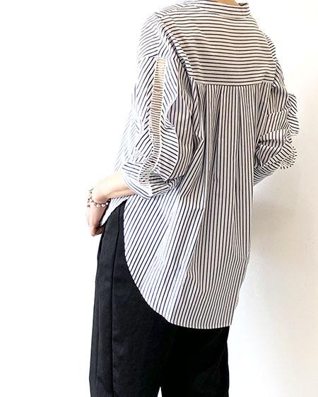 レーススリーブノーカラーシャツ / Lallia Mu