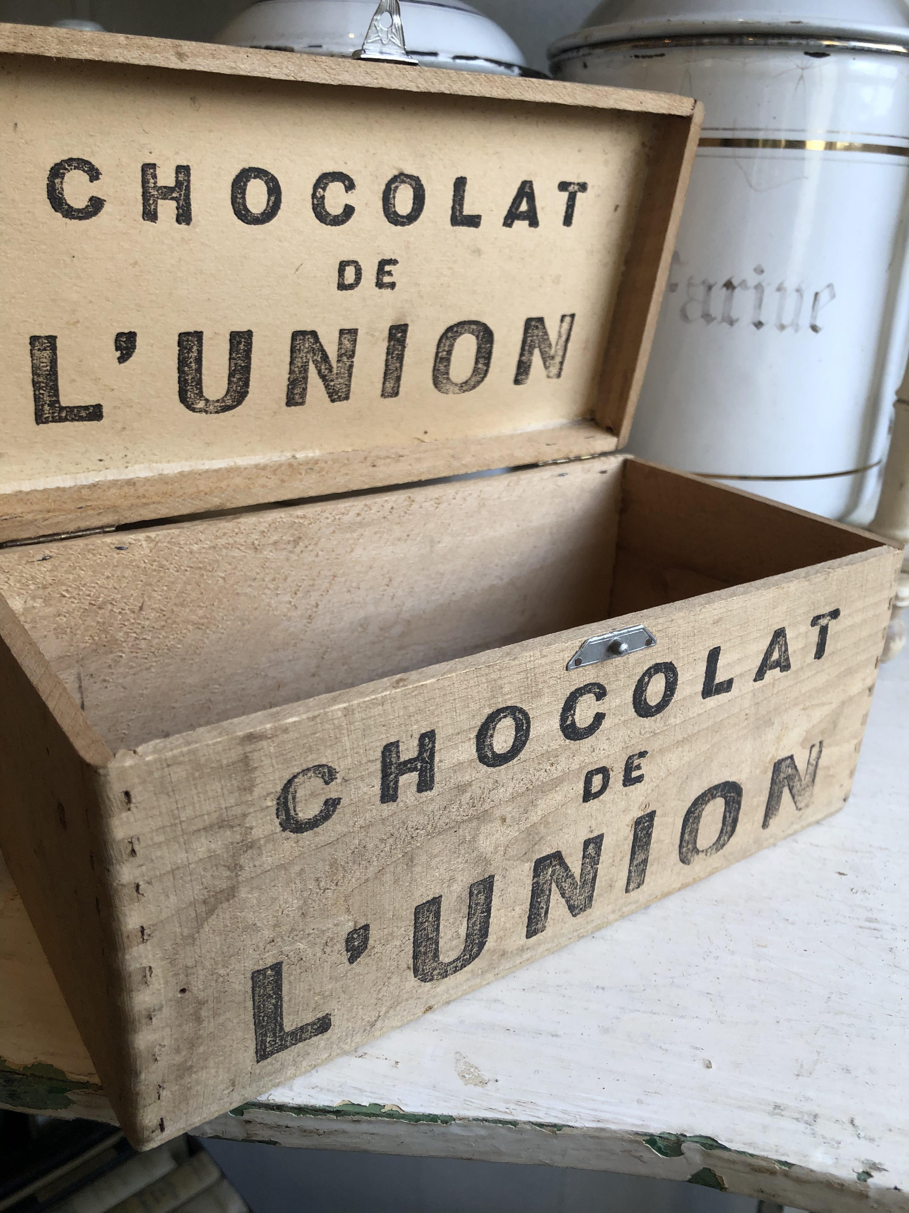 フランスアンティーク CHOCLAT et L'UNION 古い木箱